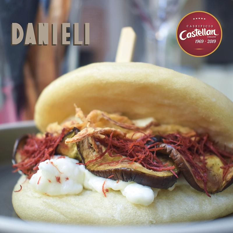 Bao del Danieli (panino al vapore) con stracchino di capra Caseificio Castellan Urbano